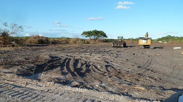 Bulldozers clear land on Merritt Island for Blue Origin faclity