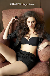 Evelyn Sharma Latest Bikini Photos