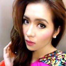 What is the height of Angeline Quinto?