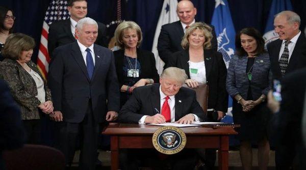 Detienen a primeros refugiados en EE.UU. tras orden de Trump