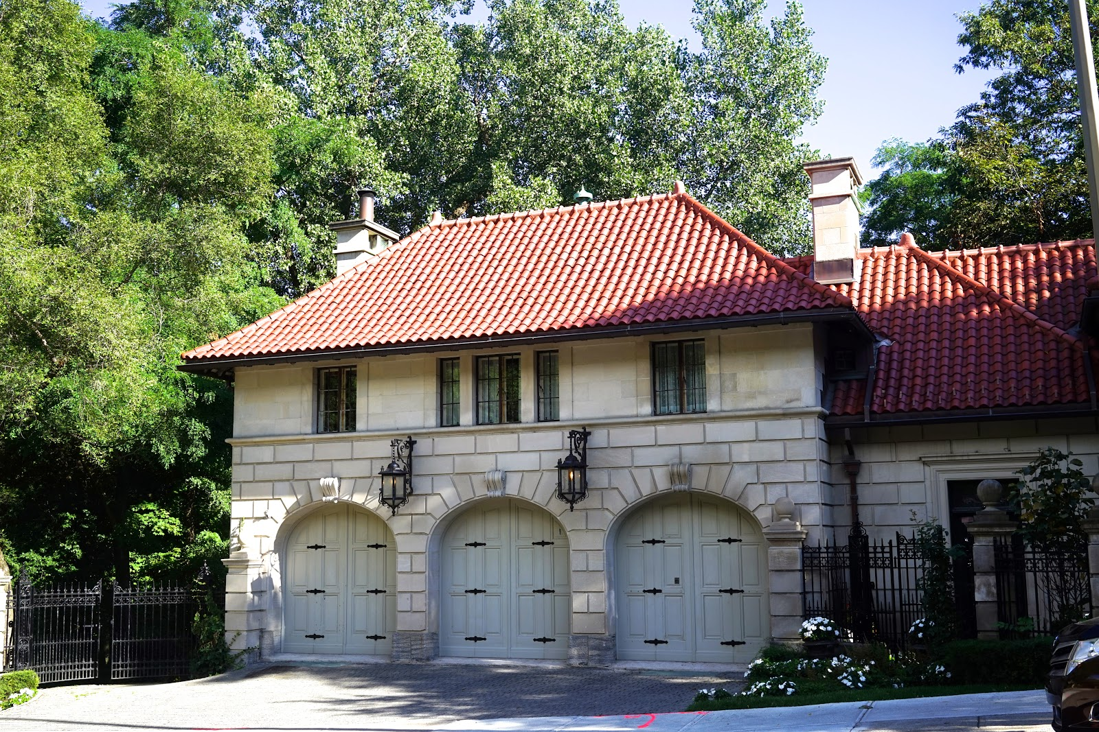 montreal houses