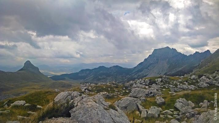 Разбросанные камни в парке Дурмитор , Черногория
