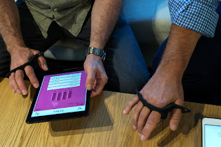 Умная клавиатура-кастет Tap Systems – набираем текст на любой поверхности!