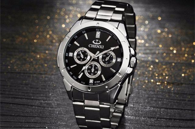 anuncio de relogio - Você sabia que relógios sempre marcam a mesma hora nos anúncios?