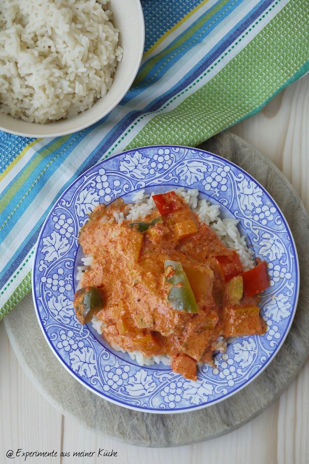 Experimente aus meiner Küche: Hähnchen in Paprika-Sahne-Soße