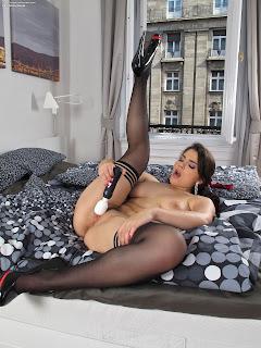 InTheCrack 840 Valentina Nappi Full Picture Set