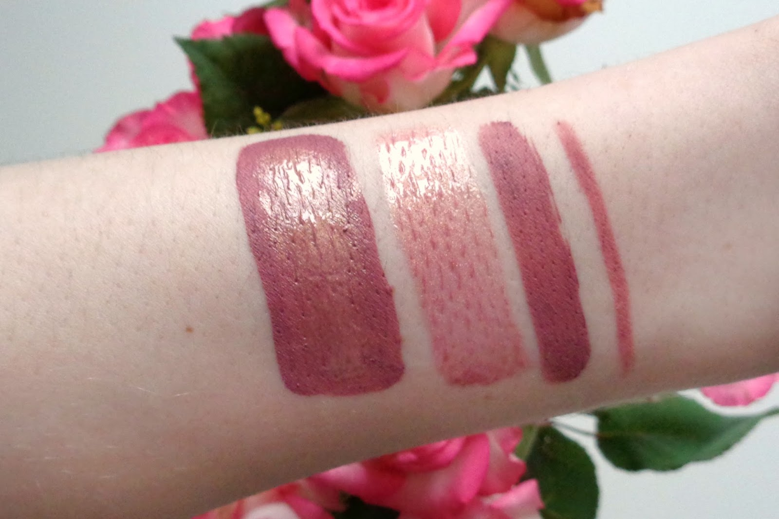 Huda Beauty Contour and Strobe Set Muse & Angelic Swatches; Huda Beauty Lip Contour Muse Swatches; Huda Beauty Liquid Matte Muse Swatches; Huda Beauty Lip Strobe Angelic Swatches