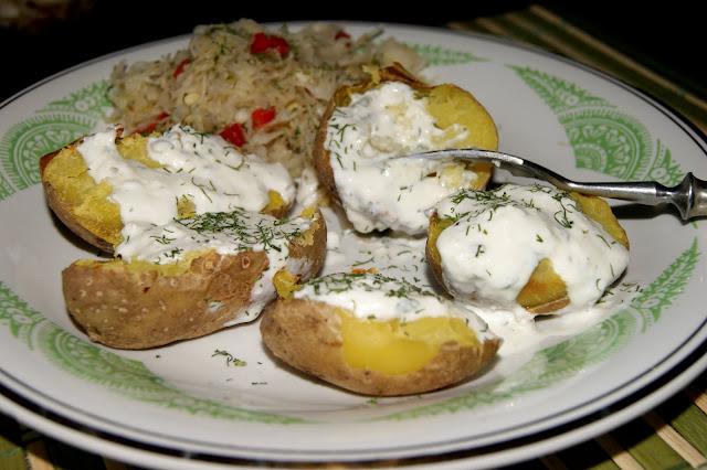 pieczone ziemniaki z dipem