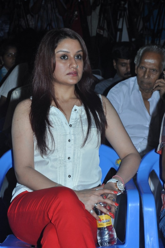 Sonia agarwal at function latest spicy stills