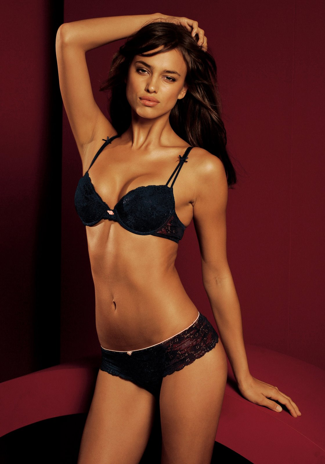 windows on beauty images: Irina Shayk, lingerie model