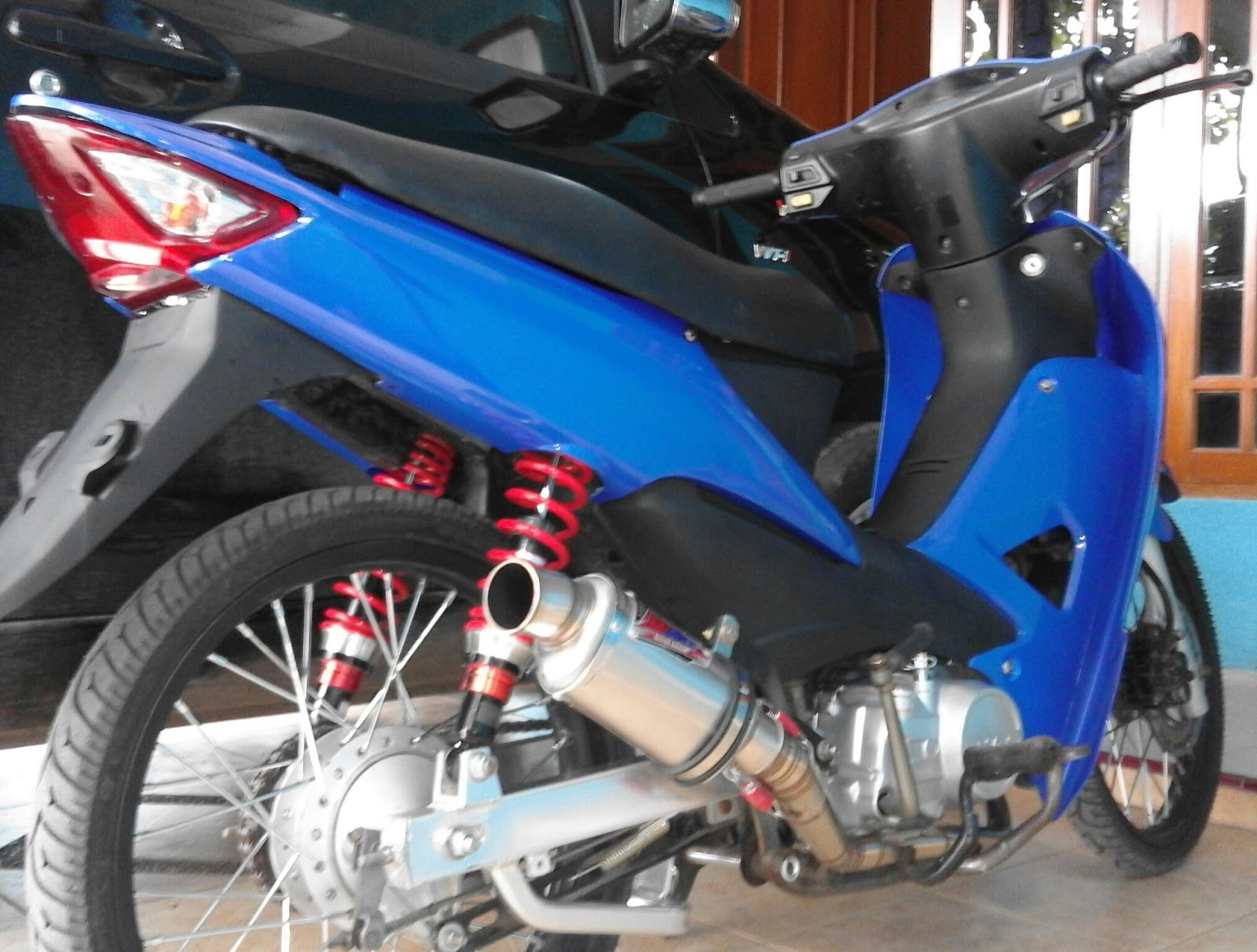 Modifikasi Motor Supra Fit Thailook Semut Modifikasi