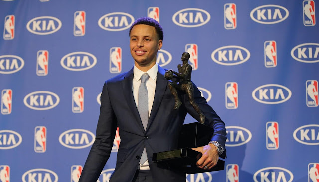Curry, primer MVP unánime de la historia para mayor gloria de Under Armour