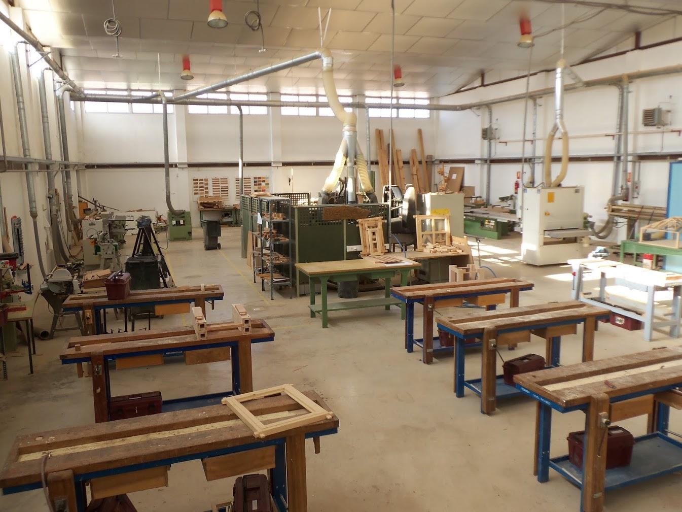 Fp madera murcia formaci n profesional de madera mueble y - Fabricas de muebles en yecla ...