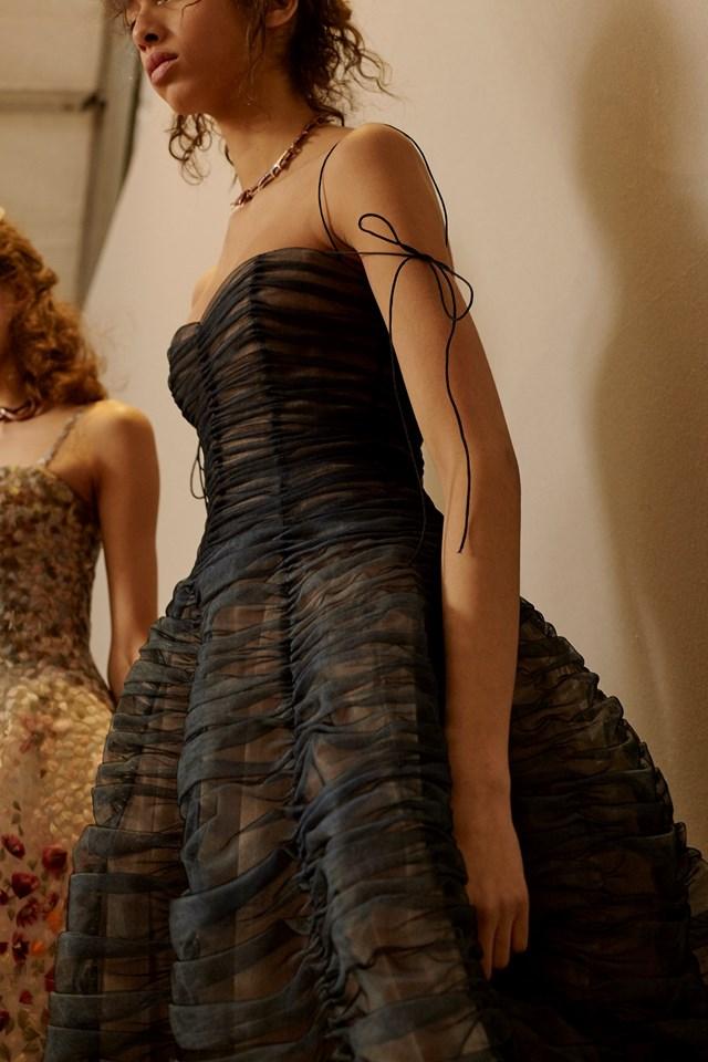 dior haute couture, dior couture, dior haute couture printemps été 2017, dior couture spring summer, dior couture ss 17, dior maria grazia chiuri, dior girls, dudessinauxpodiums, du dessin aux podiums