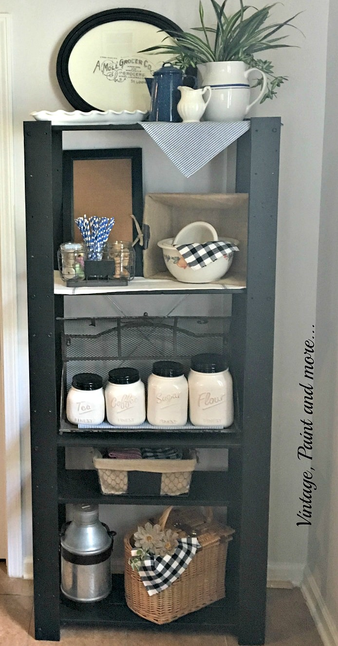 Vintage, Paint and more... an old wooden shelf unit diy'd with black chalk paint for a modern vintage industrial look
