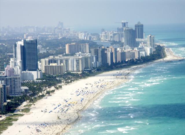 Praia Surfside na Flórida