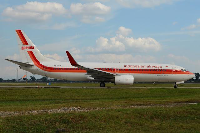 Garuda Indonesia Boeing 737-800 Retro Livery