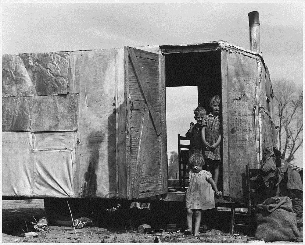 the conditions of the migratory farm families of america during the 1930s as depicted in the grapes  Constitutional rights foundation  the southern plains experienced a terrible drought during the early 1930s  the story of migratory farm labor in california by.
