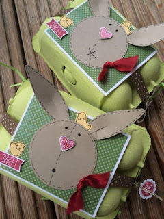 contenitori delle uova decorate per pasqua