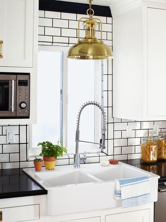 white kitchen envy | Jade and Oak: white kitchen envy - Countertop Backsplash Combo