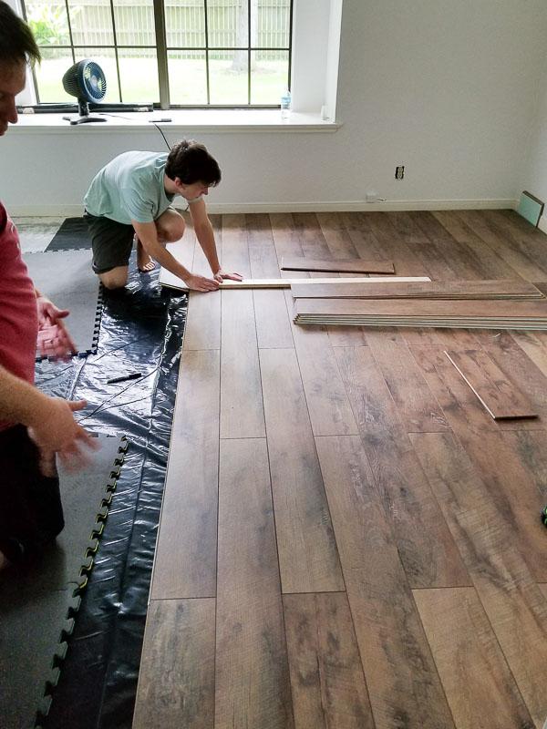 farmhouse floors and shiplap diy beautify. Black Bedroom Furniture Sets. Home Design Ideas