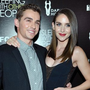 Alison Brie And Dave Franco Wedding.News Sports Politics Entertainment Lifestyle Articles And Hot