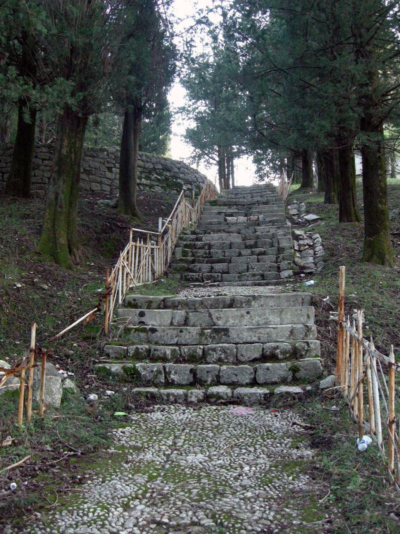 Заброшенный-парк-в-Тивате-Черногория
