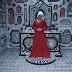 Mary More, cantora independente, grava clipe inspirador vestida de aia