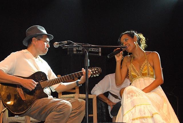 Dendê Cultural: Carla Visi cativa o público do Pelourinho com seu projeto Encanto  Mestiço
