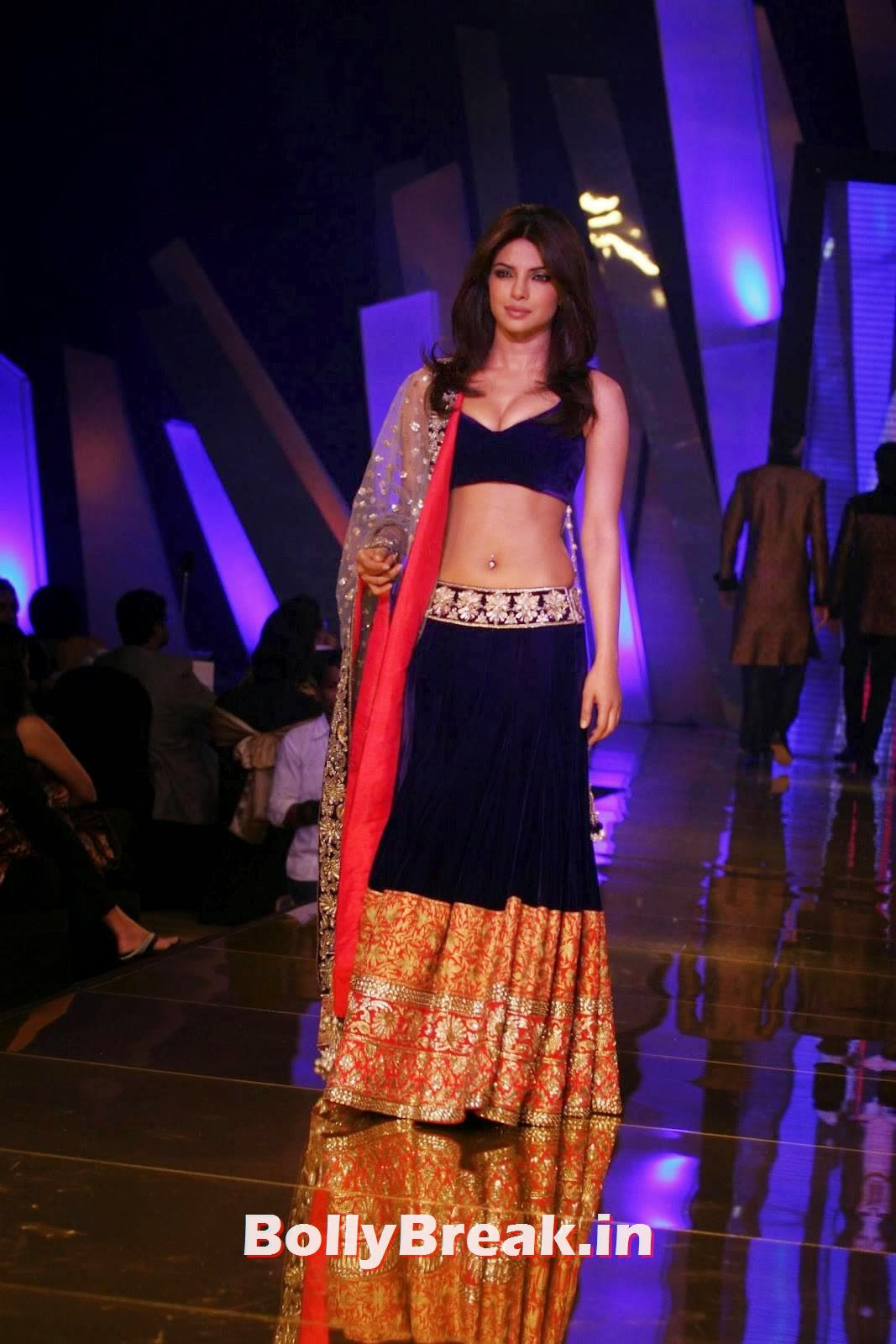 , Priyanka Chopra Blue Lehnga Choli Ramp Walk Photos