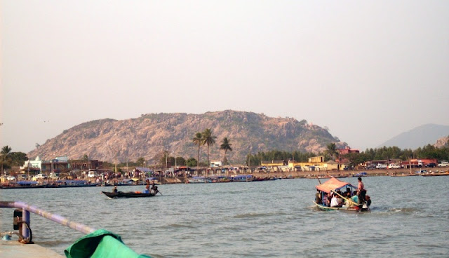 Backpack Trekking In India - Chilika lake in Odisha