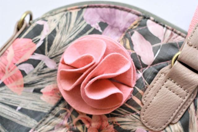 DIY Blume aus Filz als Brosche oder Haarschmuck