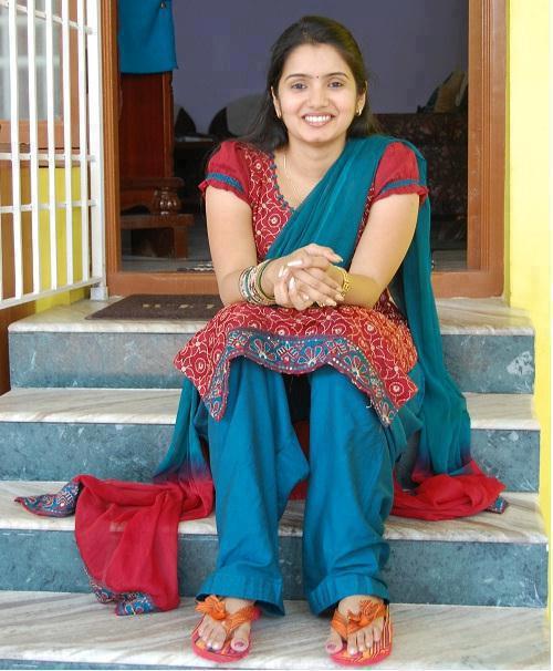 22 punjabi bhabhi in pink salwar suit selfie wid moans - 5 6