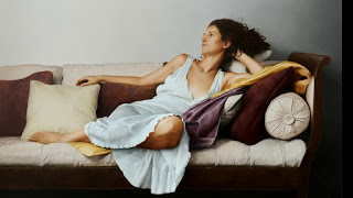 pinturas-chicas-recostadas-arte-realista