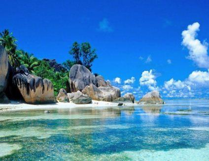Pesona Menawan dan Asri Pantai Memperak Bangka Belitung