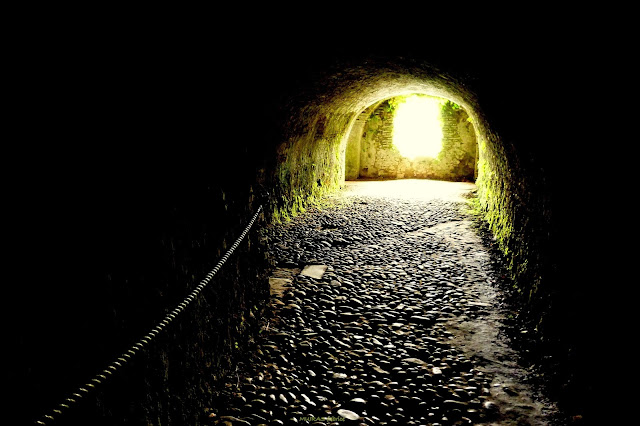 le tunnel apres la mort village sorde l abbaye classé unesco