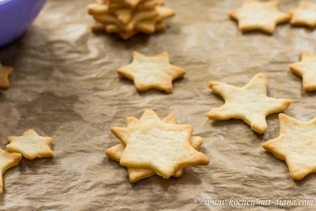 3D - Kekse-Weihnachtsbäumchen zusamensetzen