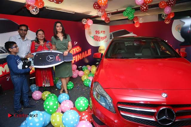 Raashi Khanna at Mirchi 95 Suno Mercedes Jeeto Contest Stills  0019