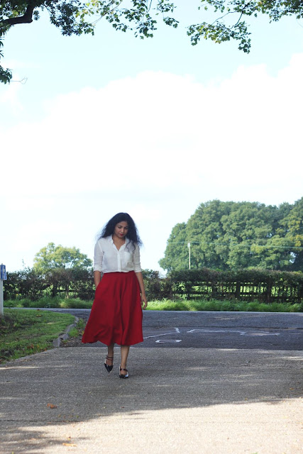 red skirt with plain white shirt