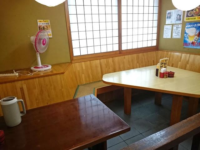 我部祖河食堂 泡瀬店の店内の写真
