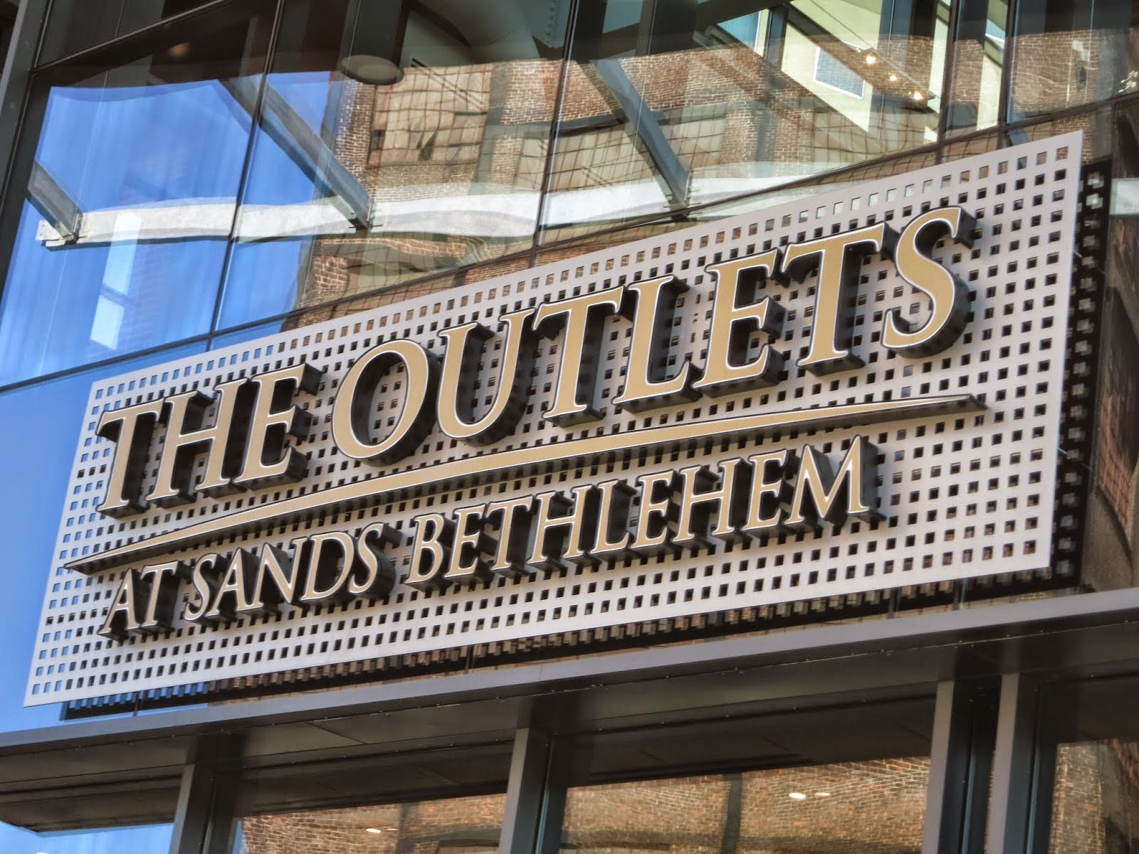 c23237aa15 Lenox is placed at The Outlets at Sands Bethlehem on address 77 Sands  Boulevard