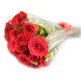 Lovingly Yours A bunch of 10 Red Roses winni.in