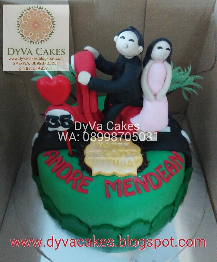 DyVa Cakes Vespa Birthday Cake