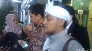 Mengenai Aksi Salat di Jalan 2 Desember, GNPF Tunggu Fatwa MUI