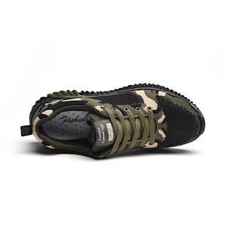 Giày thể thao ngụy trang