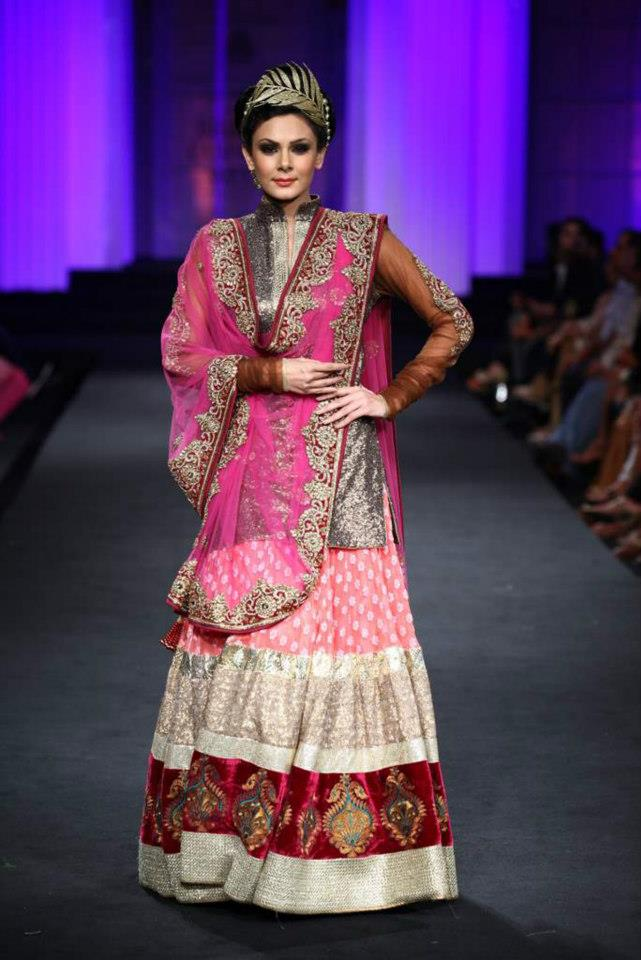 Vikram Phadnis Bridal Collection IBFW 2012 | Aamby Valley ...
