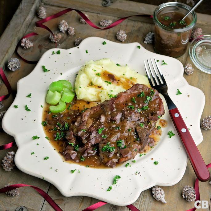 Recept Ovenkarbonaadjes met rodewijnsaus met stukjes ham en ui