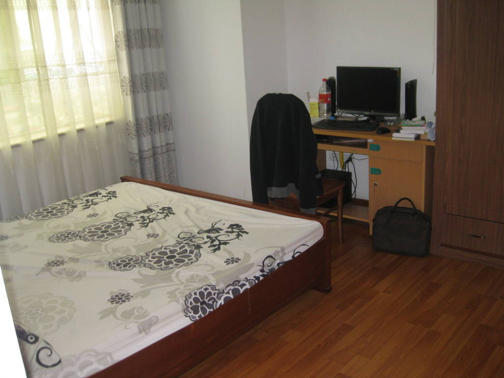 Apartment for rent in Hanoi : Cheap 3 bedroom apartment ...
