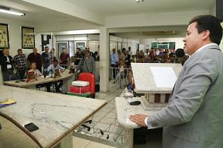 http://vnoticia.com.br/noticia/1689-secretarios-municipais-representam-sfi-em-reuniao-sobre-porto-central-em-presidente-kennedy