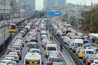 Trafik Anjlok Pada Musim Liburan